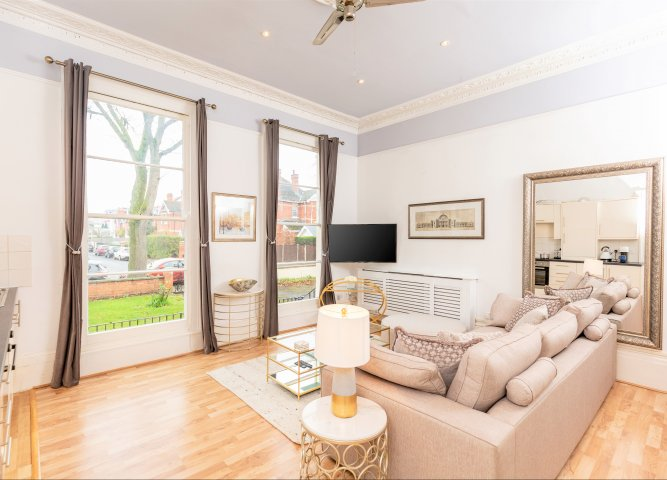 10 Sydenham Road Serviced Apartment